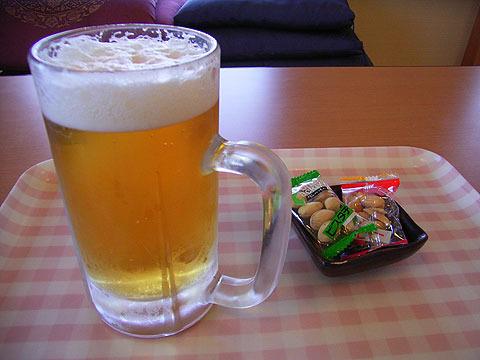 前回はここでビールを頂き、これが最高に良かったのだが…