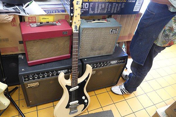 国産の安物ギターが必要ということで、映画『ALWAYS 三丁目の夕日'64』の撮影にも貸し出されたんだとか