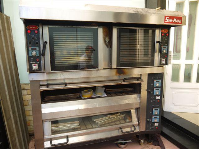 オーブンも巨大サイズを焼くためにわざわざ新調したという。