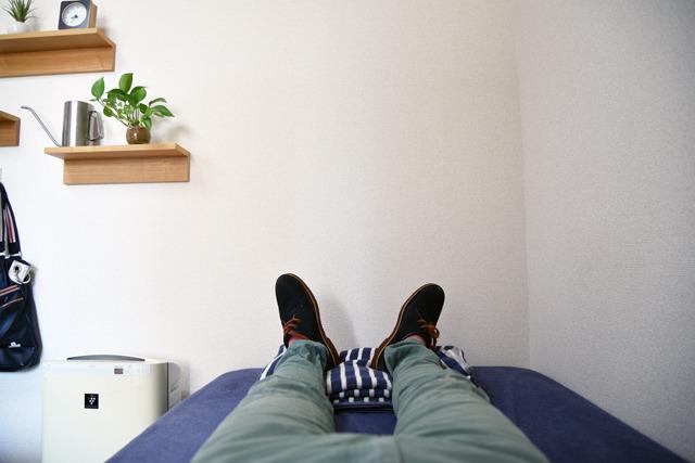 たとえば、前夜の身支度について。気ぜわしい朝ではなく、前夜のうちに荷造りを済ませておきなさいと説いている。朝出かけるのが遅くならないよう、足袋は床の中で履けるくらいに準備をせよと蘆菴氏。はい! もう前日から履いておきます