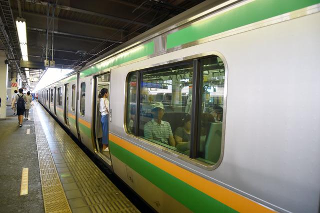 駕篭(東海道線)に乗って、旅のスタート地点へ向かう