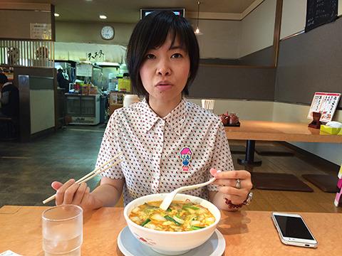 東京のアニメ制作会社にいた安達さん。米子の映画祭で我々をモーツァルトうどん(記事はこちら)に連れていったりしてくれたが、いまや奈良に住み、食べているのも奈良県の天理スタミナラーメンである。
