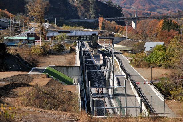 温泉街とダムの最寄り駅