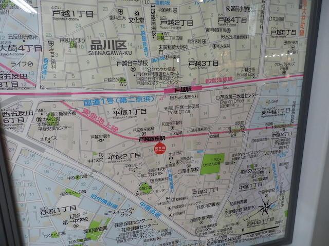 商店街は地図中央を縦に走る
