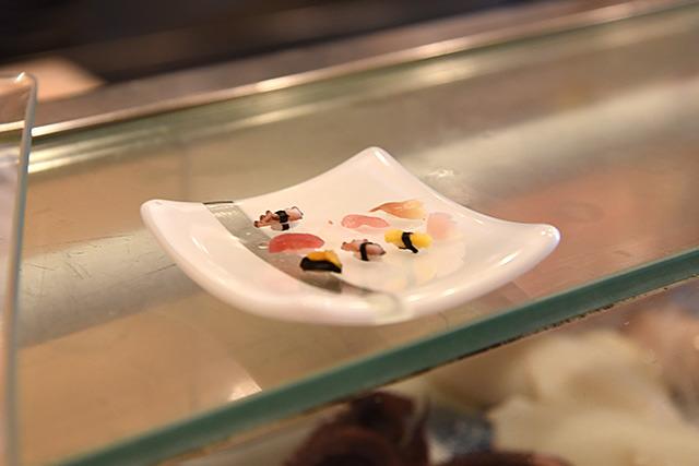 左上のが私の握った一粒寿司。可愛いなあ