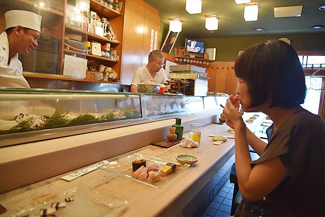 普通サイズの寿司、超うまい!