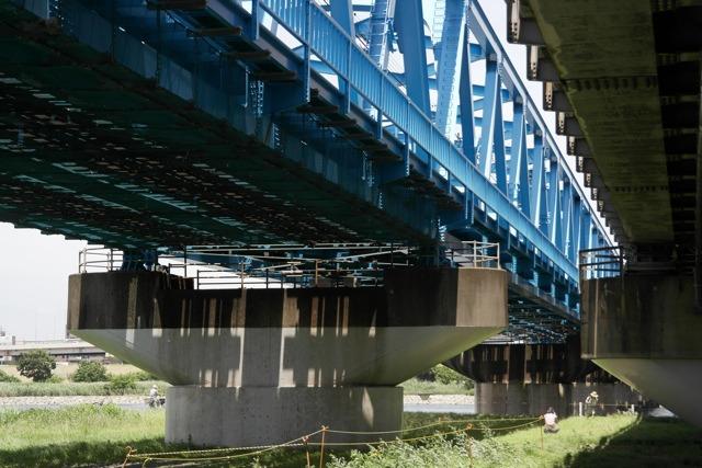 トラス橋のダイナミックな感じが出るかと思ったら、