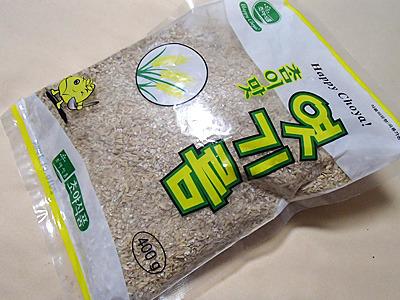 大久保の韓国食材店で購入。