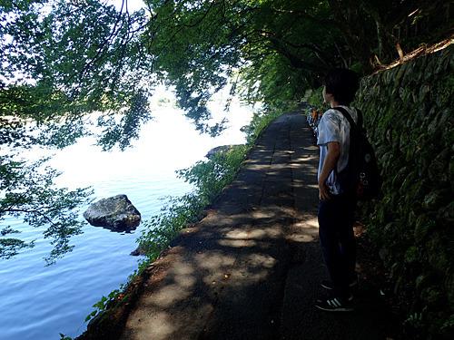 帰路は川を渡らずに歩いて帰った。そう、ボートを漕がなくても渡月橋の南側から歩いて来られるのだ。