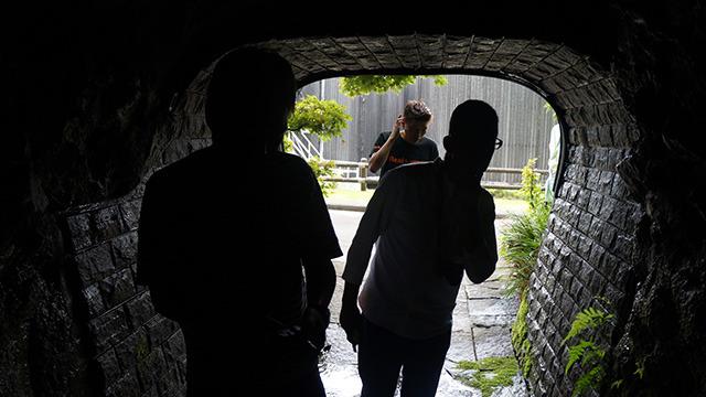 トンネルを抜けていいちこの水脈へ
