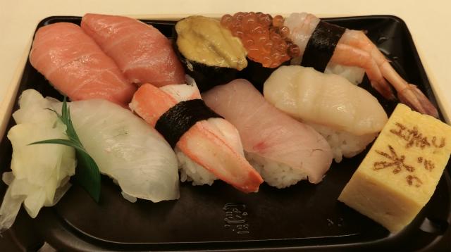 これは寿司だな。新鮮な寿司。完全な寿司。