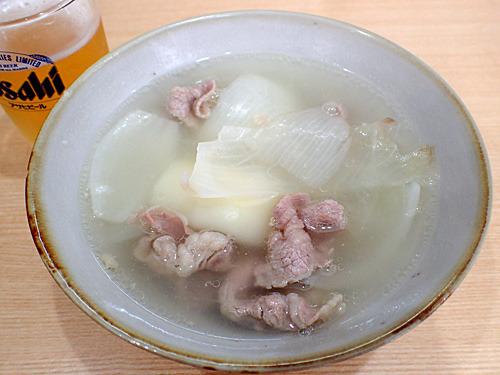 蕎麦屋で常連客が『天抜き(蕎麦なしの天ぷら蕎麦)』を頼むかのように、うどん無しのシチューでビールを飲むナオさん。