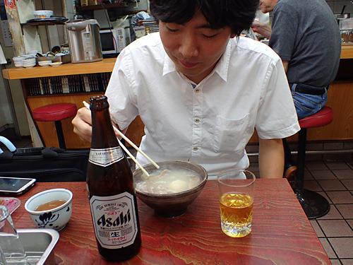 昼間っからシチューでビール。昼酒であり汁酒でもある。