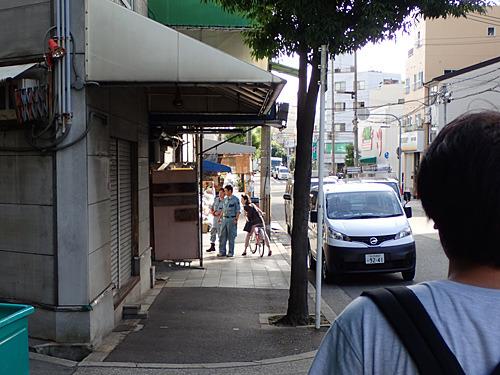 我々のように10円ジュースを求めてきた人達が、次々に残念がっていた。