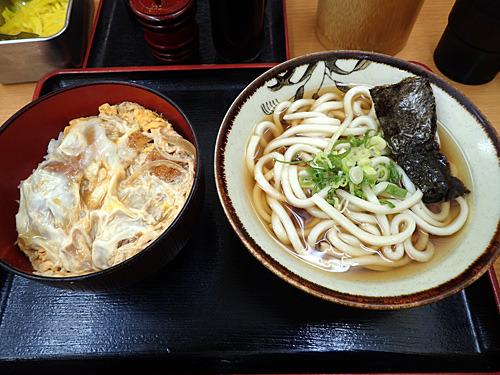 これで400円かー。大阪で飲食店やるのって大変そうだなー。
