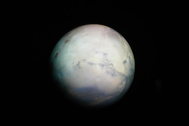 火星。元画像はNASAのこれ</a>。