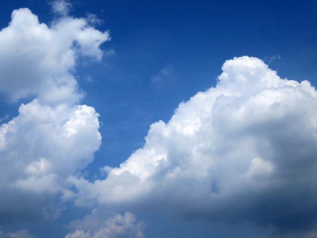 雲は何にも固定されていないなー