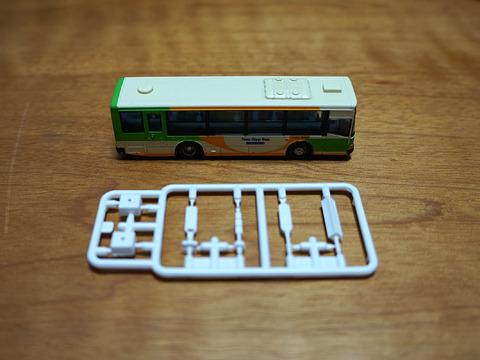 バスの模型は停留所キット付きだ!大きさは…