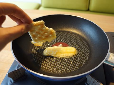 とろーりチーズのとろりーバス。ピントも溶けたかのようだ。