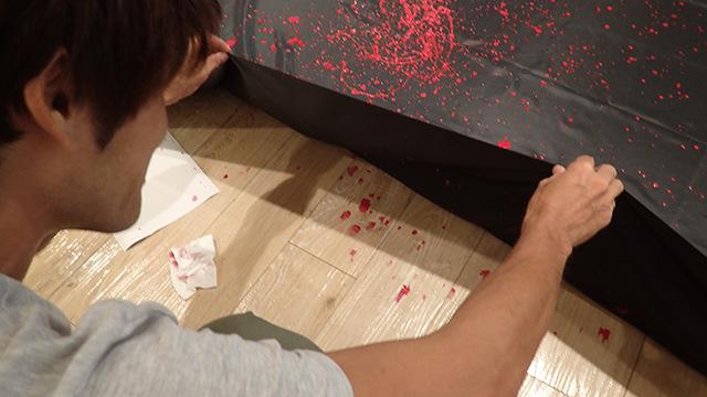 ペンキが布を貫通してそのまま床がペイントされていたりした。