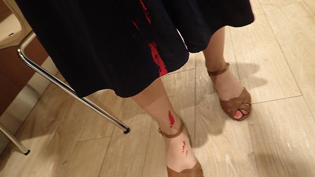 スカートにおもいっきりペンキがたれたり。