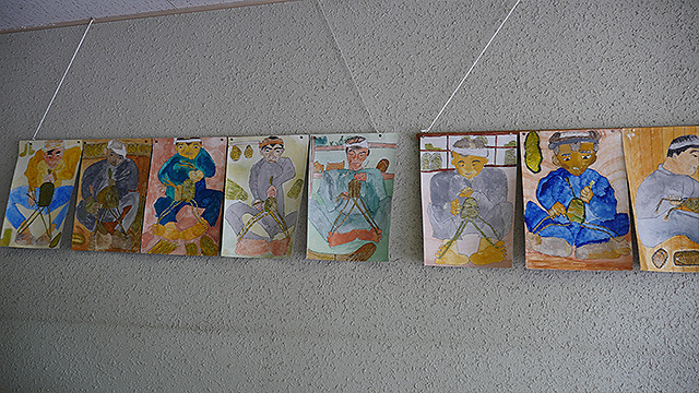 かつて通っていた小学生の作品も残っている。