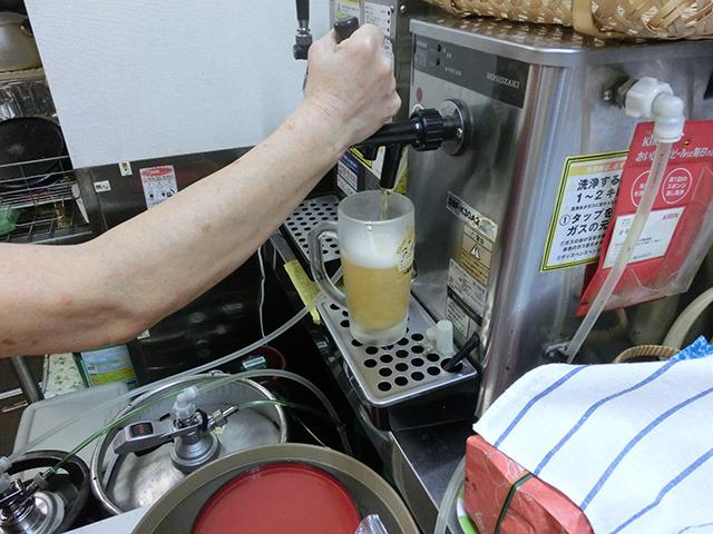 ビールはキリンで。中ジョッキで550円