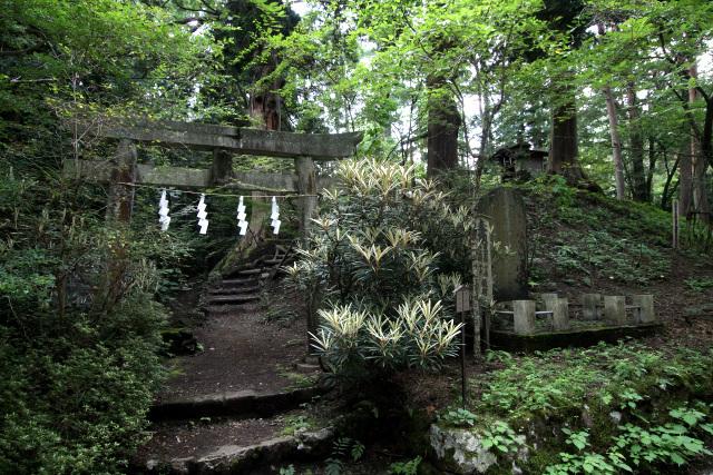 北口本宮冨士浅間神社の創建伝説が残る「大塚丘」もある
