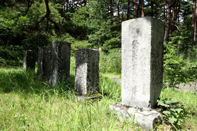 ここにも富士登山の記念碑が数多く残っていた