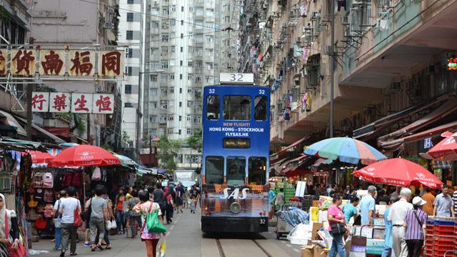 のっぽでかわいい香港のトラム