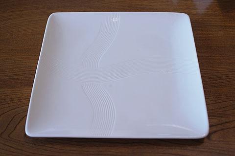 我が家でミニブーム、四角い皿。