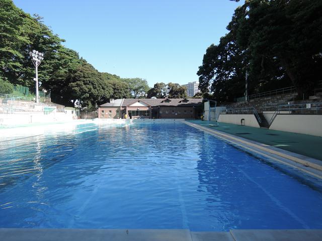 横浜の市営プールはどこも良好なコンディションでした~
