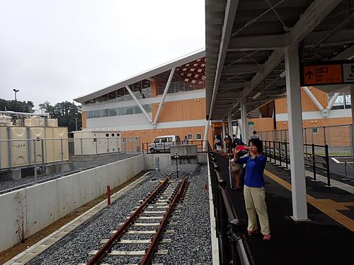 石巻線の終着駅なので、線路もここまで。