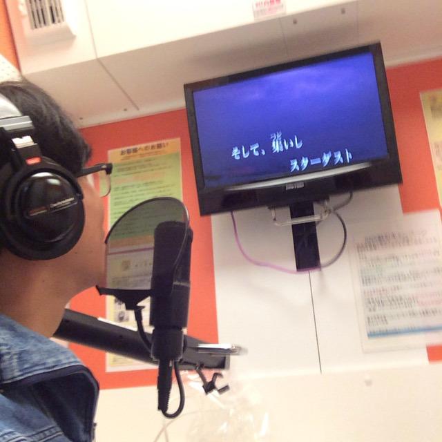 中に入ったら自習室みたいなブースがありますのでそこでジョジョのアニメの歌を歌ってください。ジャンプファンがそう言ってました。