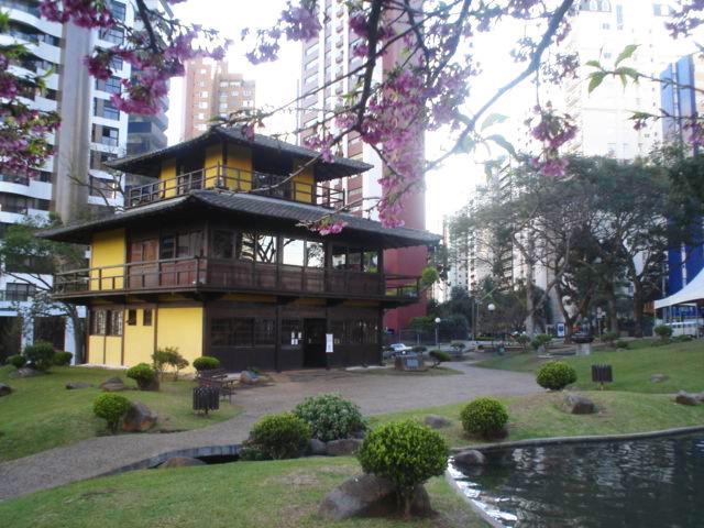 4万人を超える日系人が住む街・クリチバ…の、市内にある日本庭園。