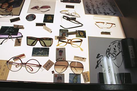 NHK鈴木健二アナのあの眼鏡や、ミスター長嶋茂雄のサングラスまで。