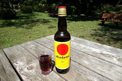 赤玉ワインといえば、このボトルである