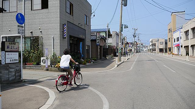 駅の周りは、割とよくあるようなノンビリとした町並みだ。