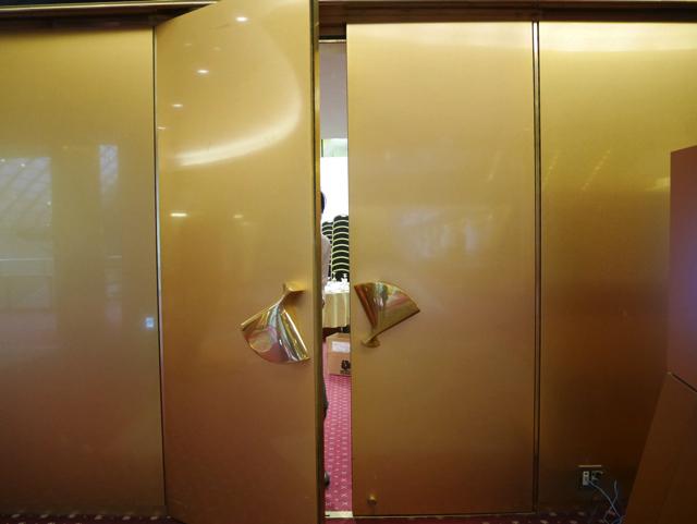 この扉の奥で行われるっぽい