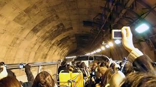 高さ3.8mのバスでトンネルを高速で走ると「うわあああ!」って声が出ます。