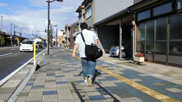 後、富山は車社会なので、車が無いと移動手段は基本的に徒歩だ。さらに目的地にもよるが30分は歩く。多分、半年分くらいは歩いた。