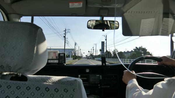 運転手さんから「元気なうちに黒部ダムに行った方がいい」という深い言葉をいただきながら、急いで行ってもらう。