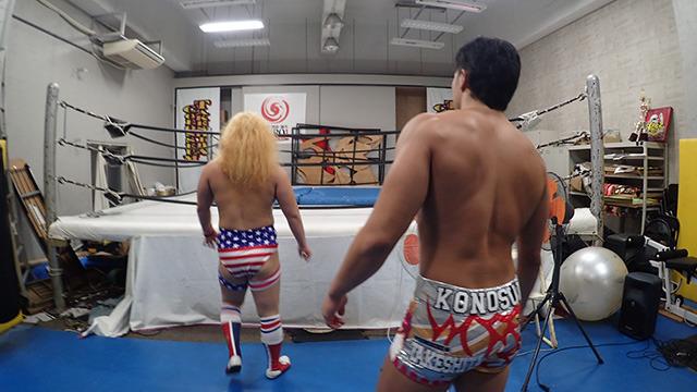 二人のリングに向かう背中のかっこよさよ。
