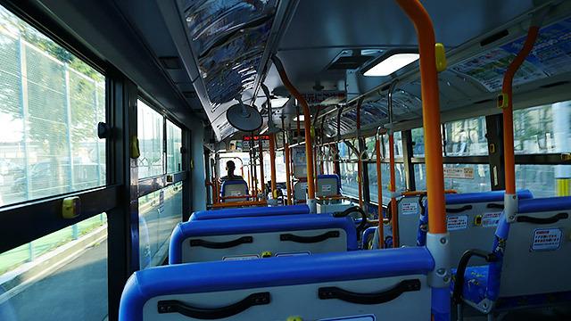 バスに乗ってレオポンを目指します