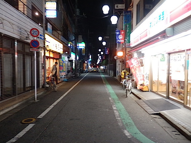 駅前のメイン商店街
