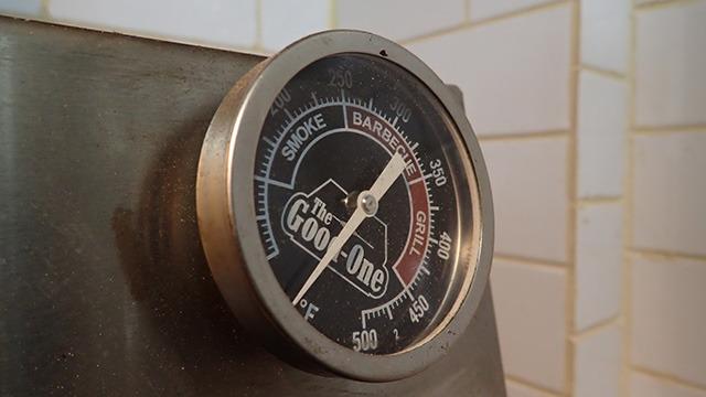 スモーク、バーベキュー、グリル、と温度によって分かれている。