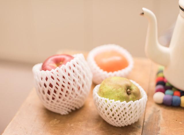 果物買うと、傷むのを防ぐためにこういうクッション材に包まれているじゃないですか。