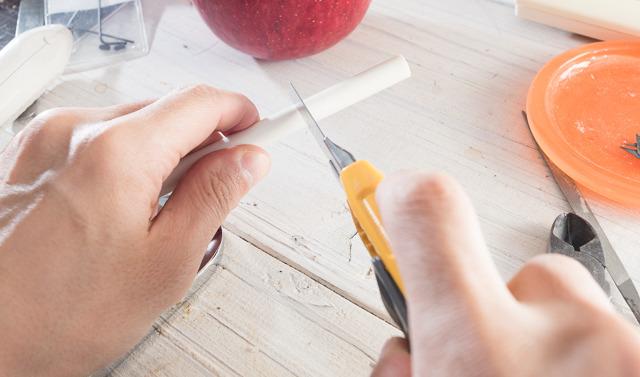 そんなわけで、リンゴのサイズにあわせて柱を切る。