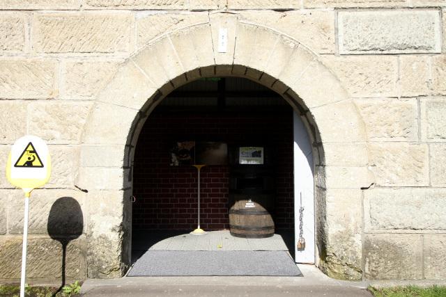 扉は開いているものの、立ち入れるのは入口のすぐ側までだが――