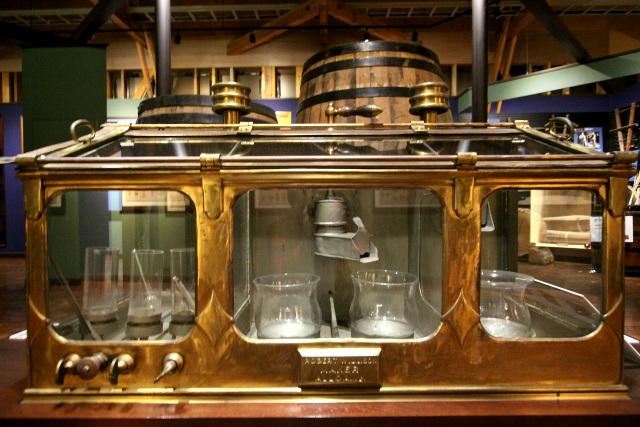 蒸留されたニューポットが出てくる器具だ。山崎蒸留所にもあった